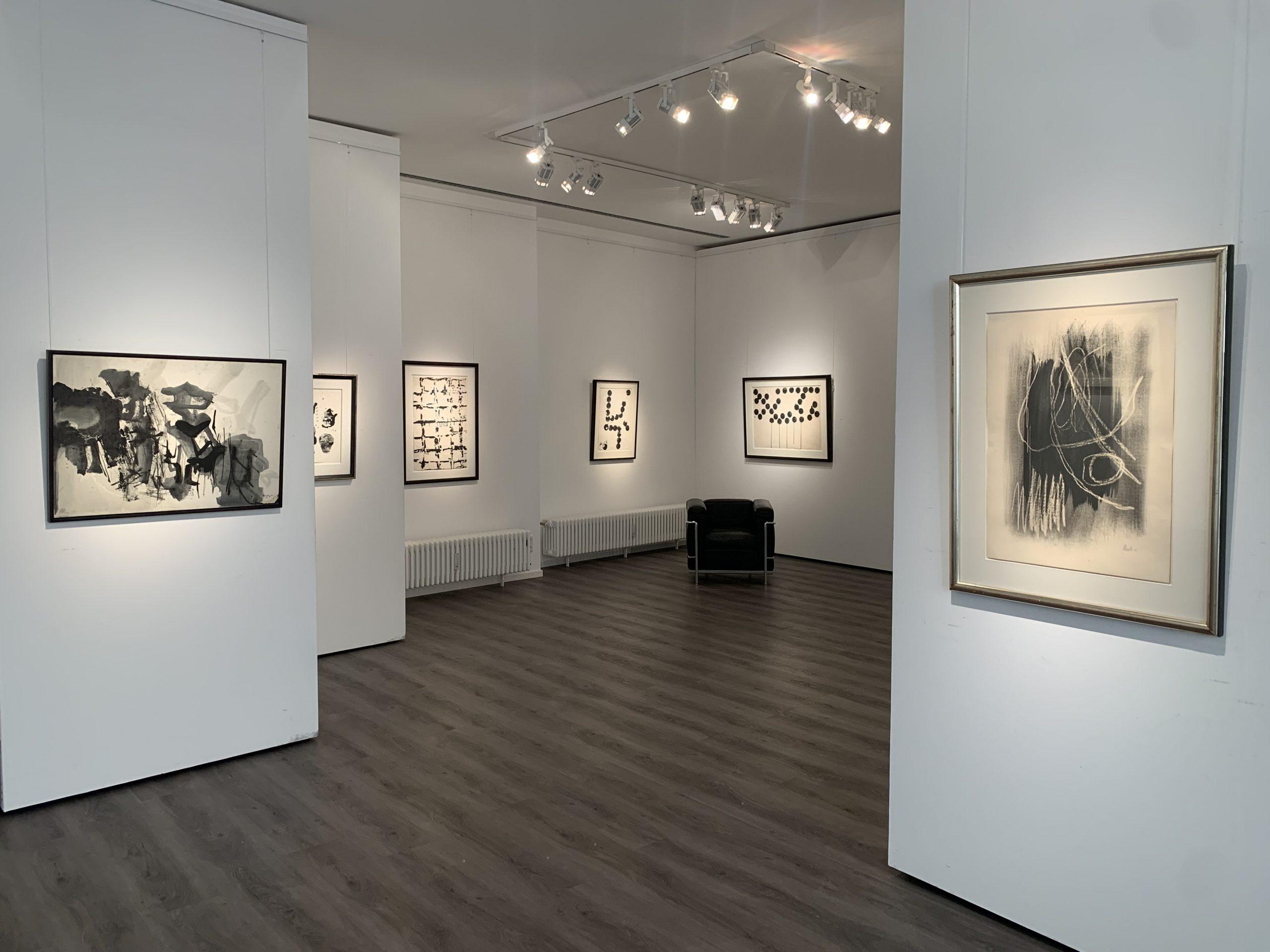 Ausstellung Black meets White 2021 Galerie Maulberger 01